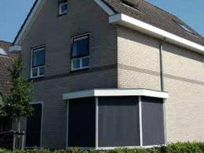 Voorzie de woning van de nodige zonwering met screens in Schoonhoven